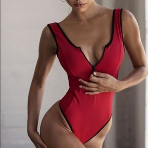 REN ACTIVE BODYSUIT / ONE PIECE